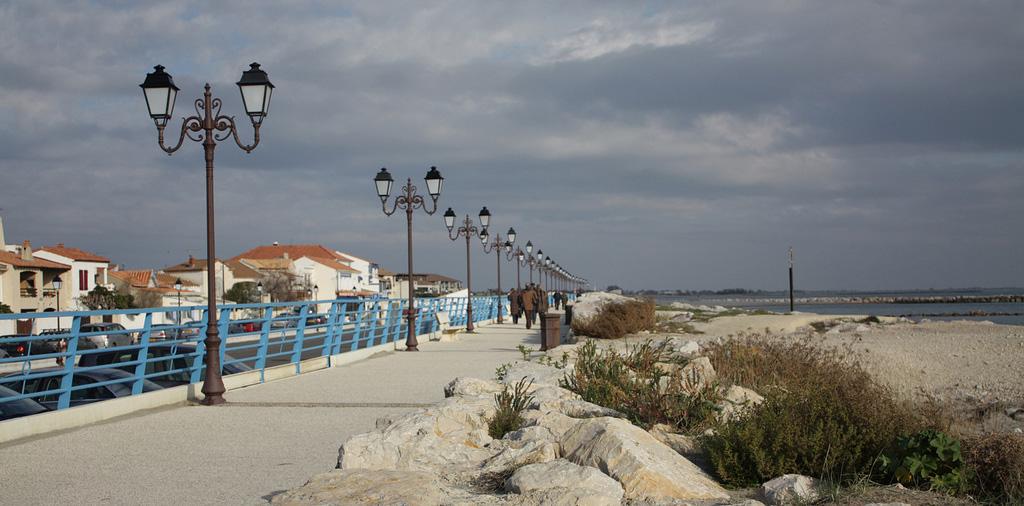 Пляж Caинтес-Мариес-де-ла-Мер во Франции, фото 2