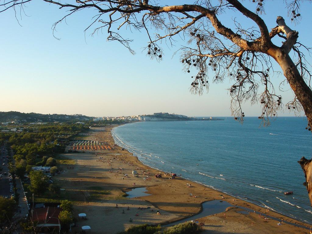 Пляж Вьесте в Италии, фото 5