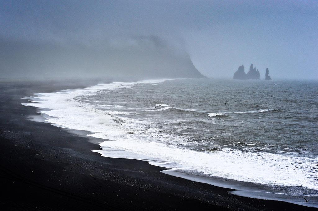 Пляж Блек Бич в Исландии, фото 1