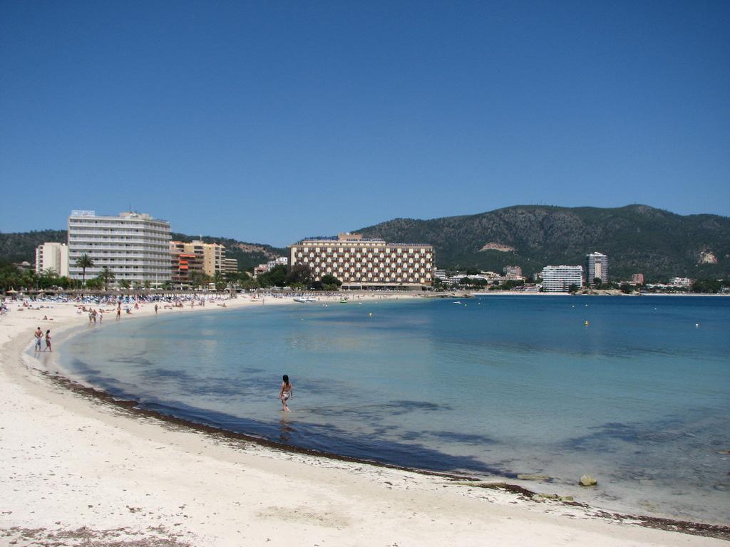 Пляж Пальма Нова в Испании, фото 6