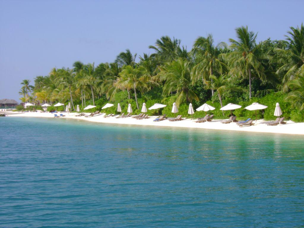 Пляж Конрад Рангали на Мальдивах, фото 2