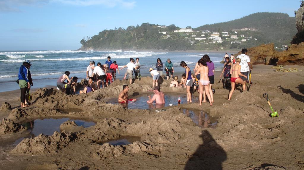 Пляж Хот-Вотер Бич в Новой Зеландии, фото 10