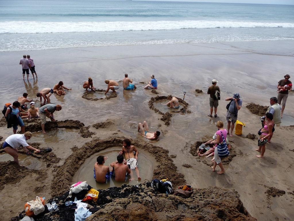 Пляж Хот-Вотер Бич в Новой Зеландии, фото 11