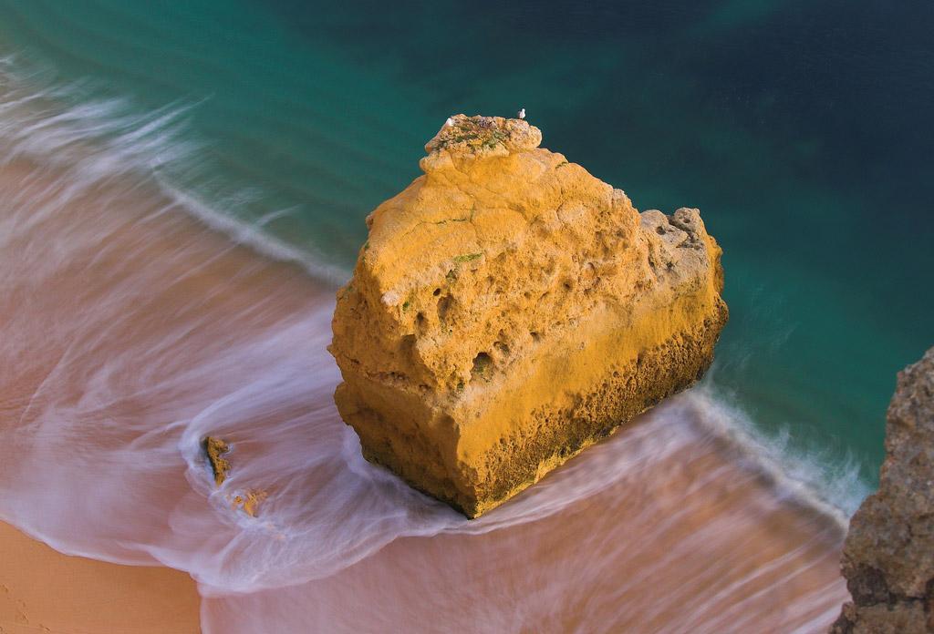 Пляж Бенагил в Португалии, фото 1