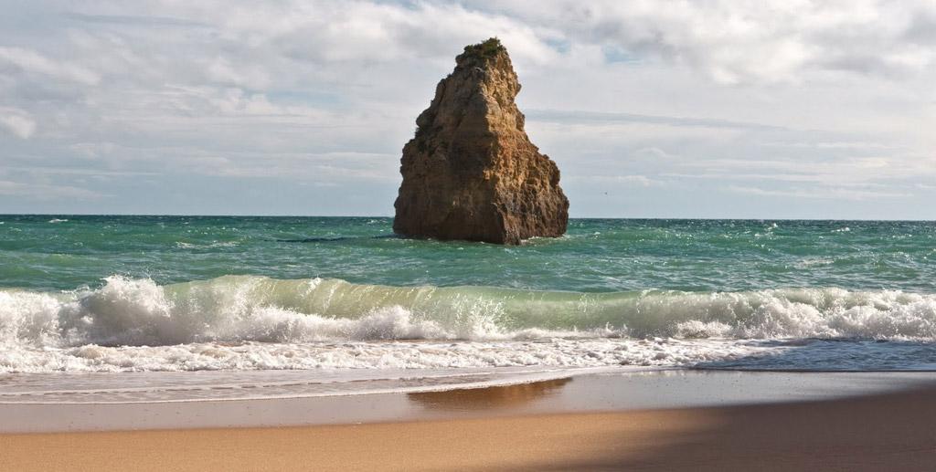 Пляж Бенагил в Португалии, фото 11