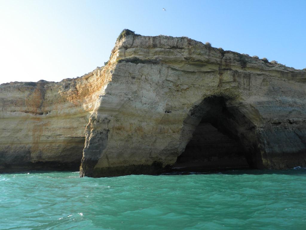 Пляж Бенагил в Португалии, фото 12