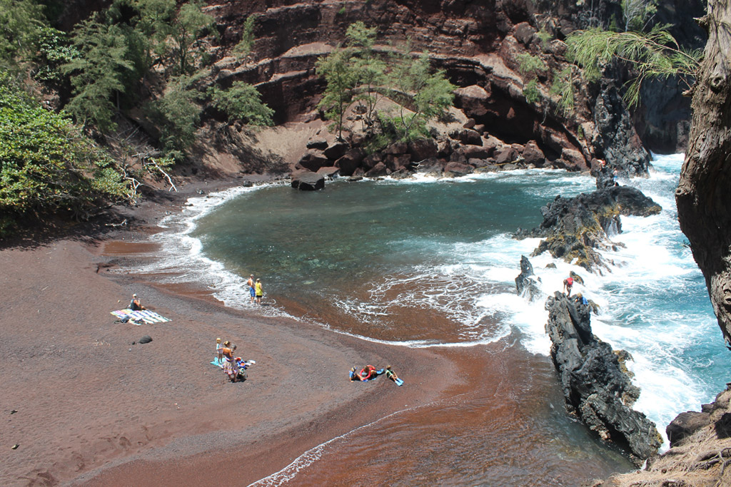Пляж из красного песка в США, фото 3