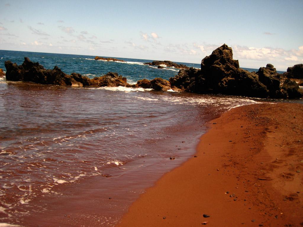 Пляж из красного песка в США, фото 4
