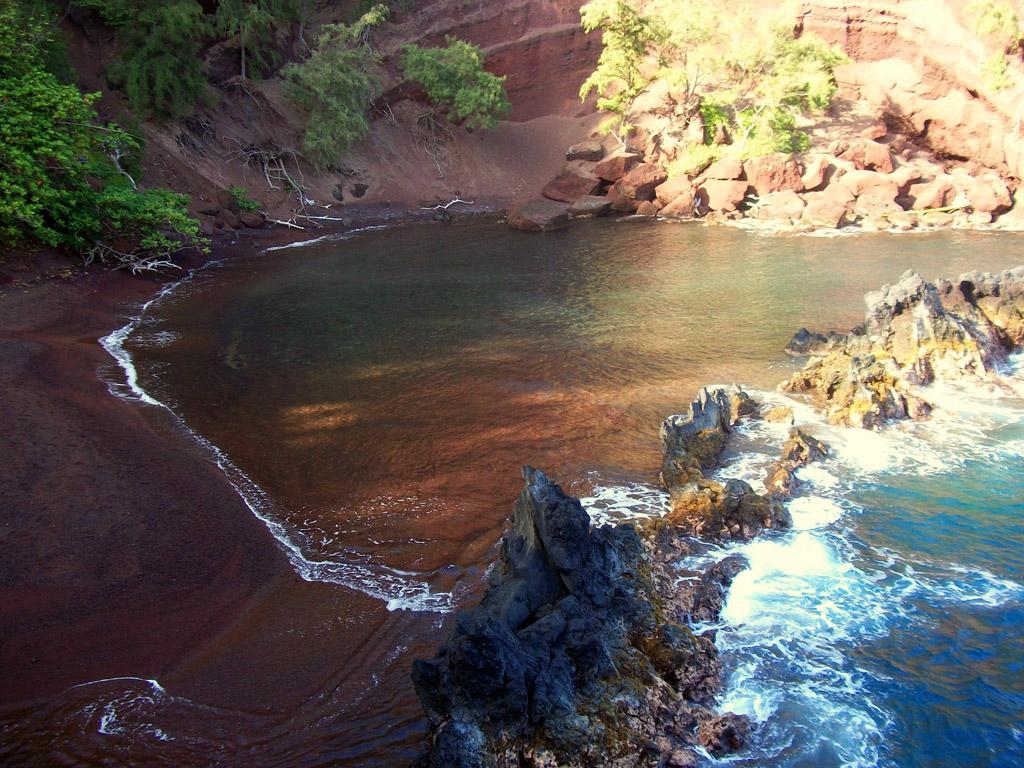 Пляж из красного песка в США, фото 6