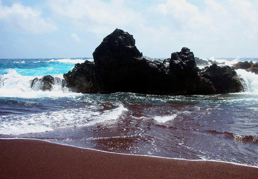 Пляж из красного песка в США, фото 9