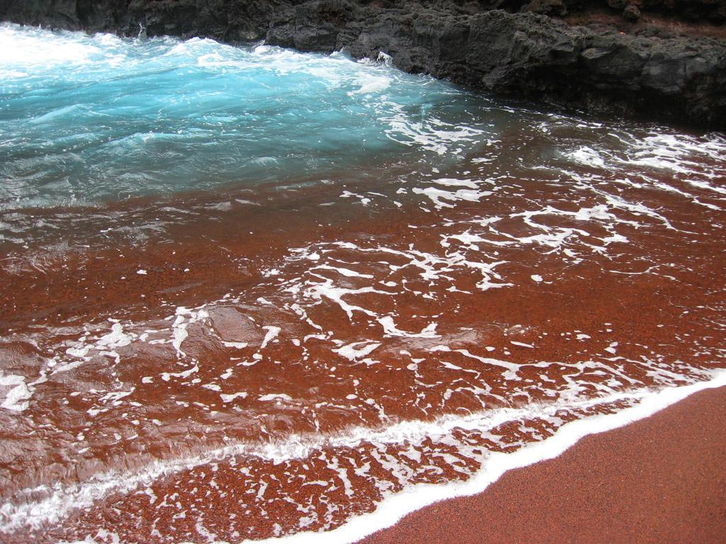 Пляж из красного песка в США, фото 10