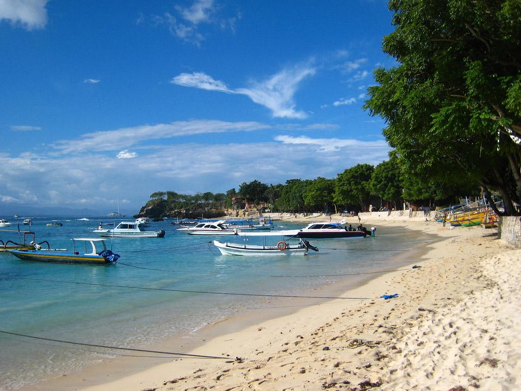 Пляж Нуса-Лембонган в Индонезии, фото 3