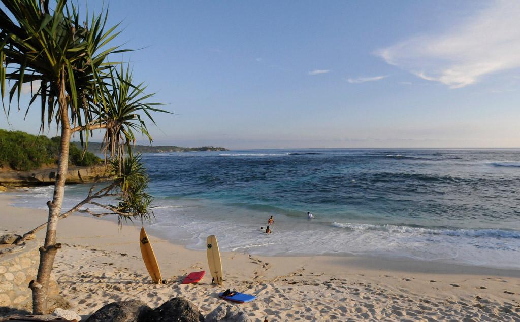 Пляж Нуса-Лембонган в Индонезии, фото 8