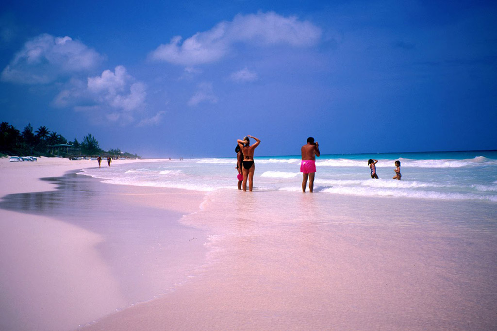 Пляж Пинк Сэндс на Багамских Островах, фото 15