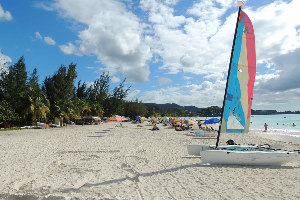 Пляж Джолли на Антигуа, фото 1