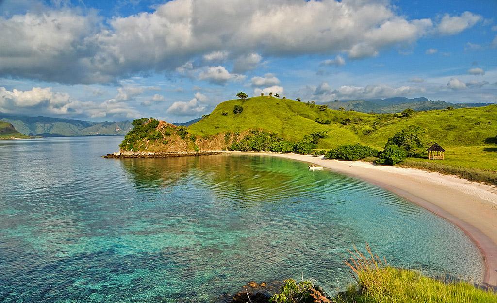 Пляж Пинк Бич в Индонезии, фото 3