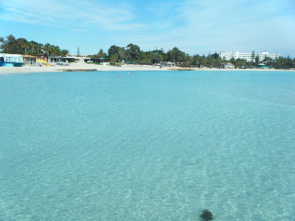 Пляж Нисси на Кипре, фото 3