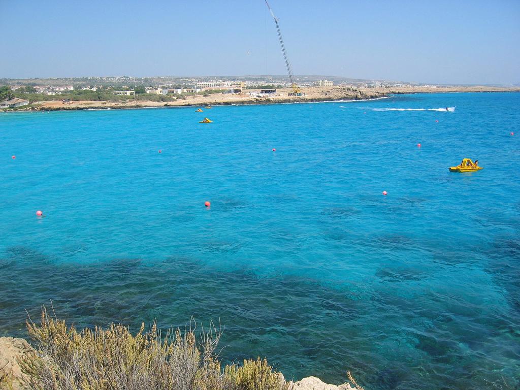 Пляж Нисси на Кипре, фото 6