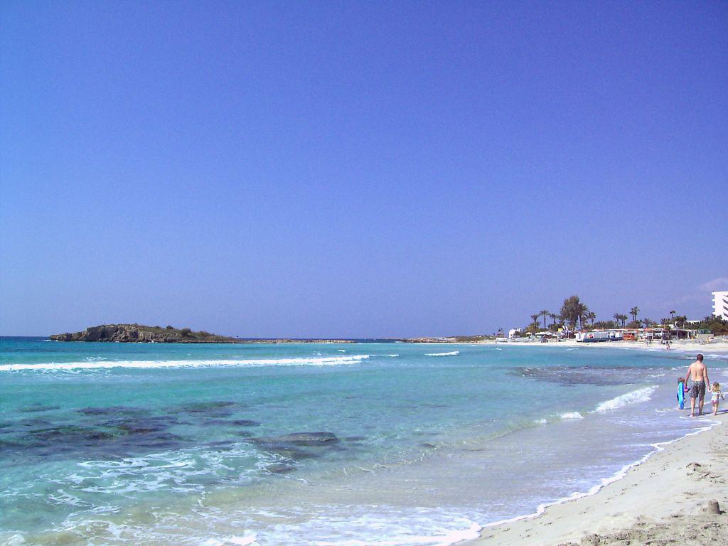 Пляж Нисси на Кипре, фото 9