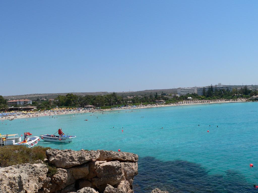 Пляж Нисси на Кипре, фото 10