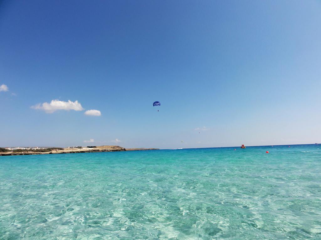 Пляж Нисси на Кипре, фото 11