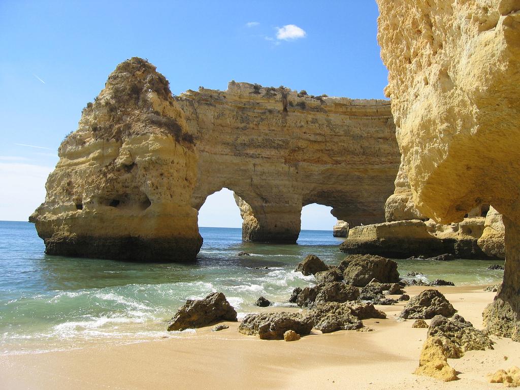 Пляж Маринья в Португалии, фото 1