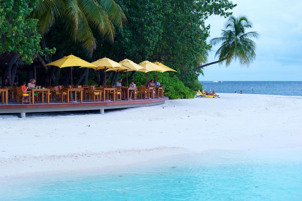Пляж острова Ихуру на Мальдивах, фото 4