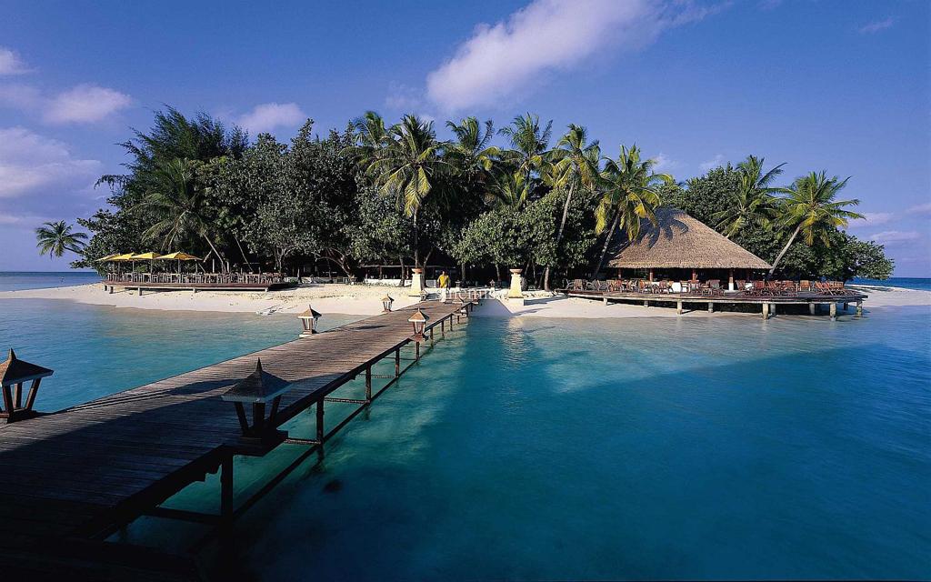Пляж острова Ихуру на Мальдивах, фото 6