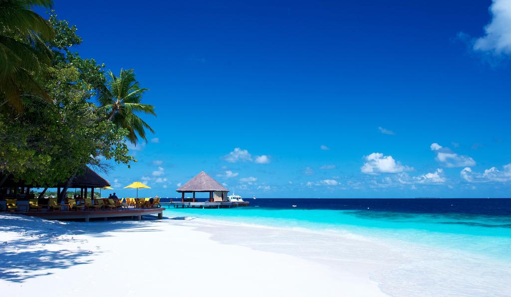 Пляж острова Ихуру на Мальдивах, фото 7