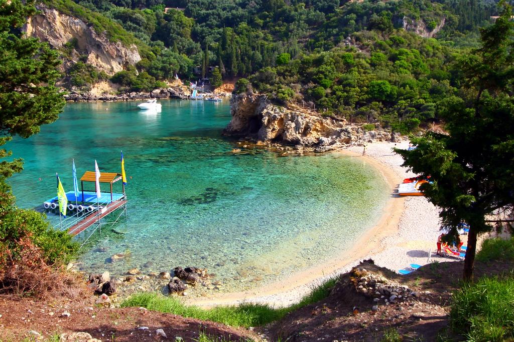 Пляж Палеокастрицы в Греции, фото 1