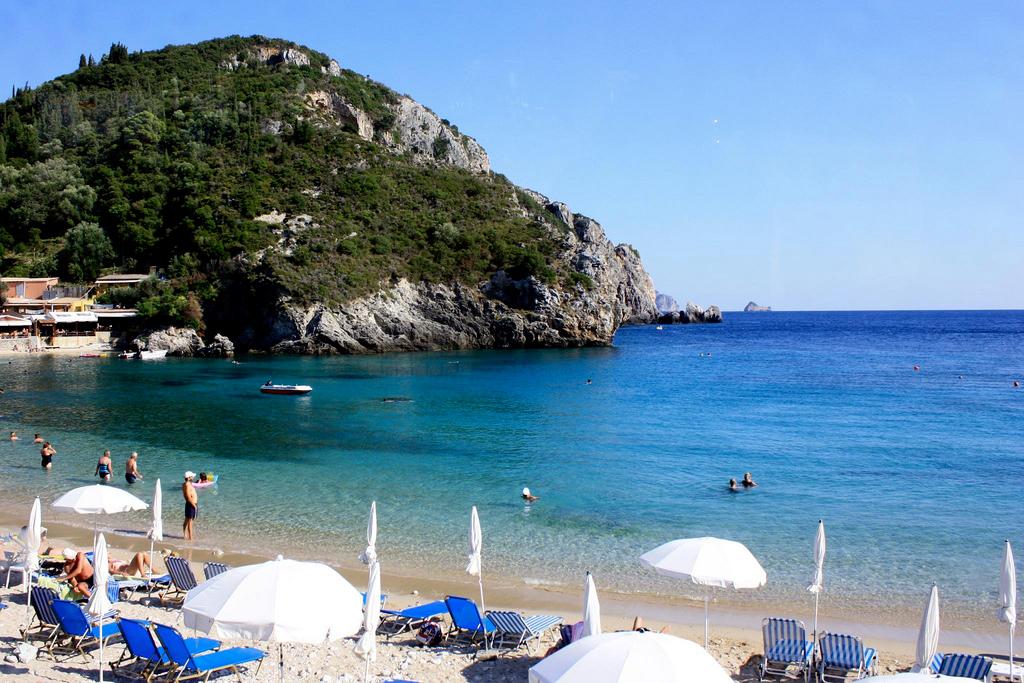 Пляж Палеокастрицы в Греции, фото 4