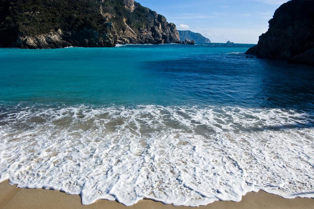 Пляж Палеокастрицы в Греции, фото 10