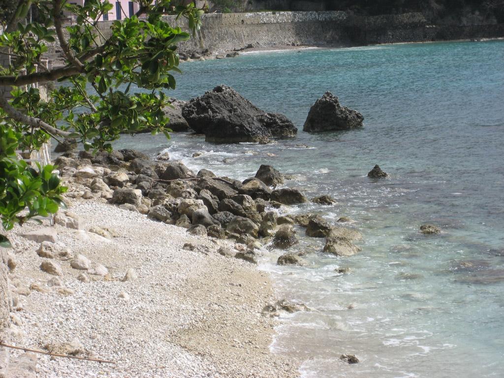 Пляж Палеокастрицы в Греции, фото 14