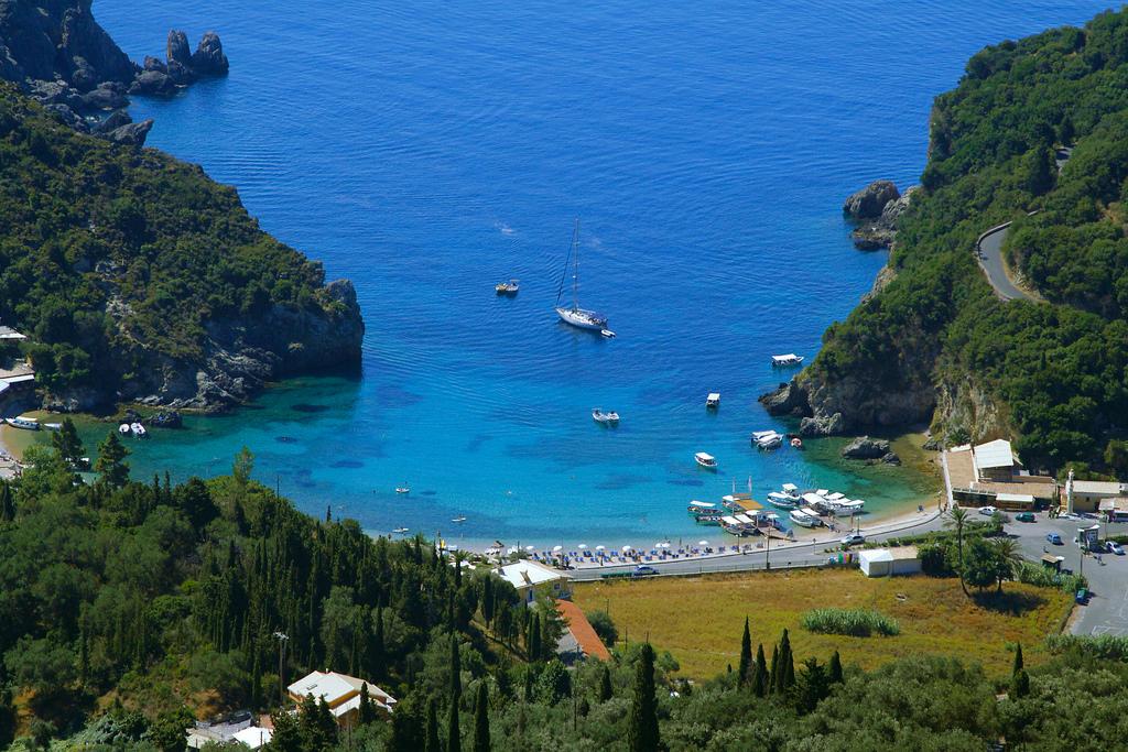 Пляж Палеокастрицы в Греции, фото 15
