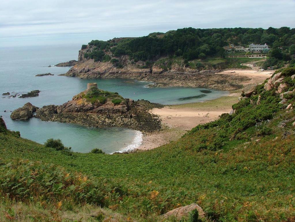 Пляж Бухта Портелет в Великобритании, фото 10