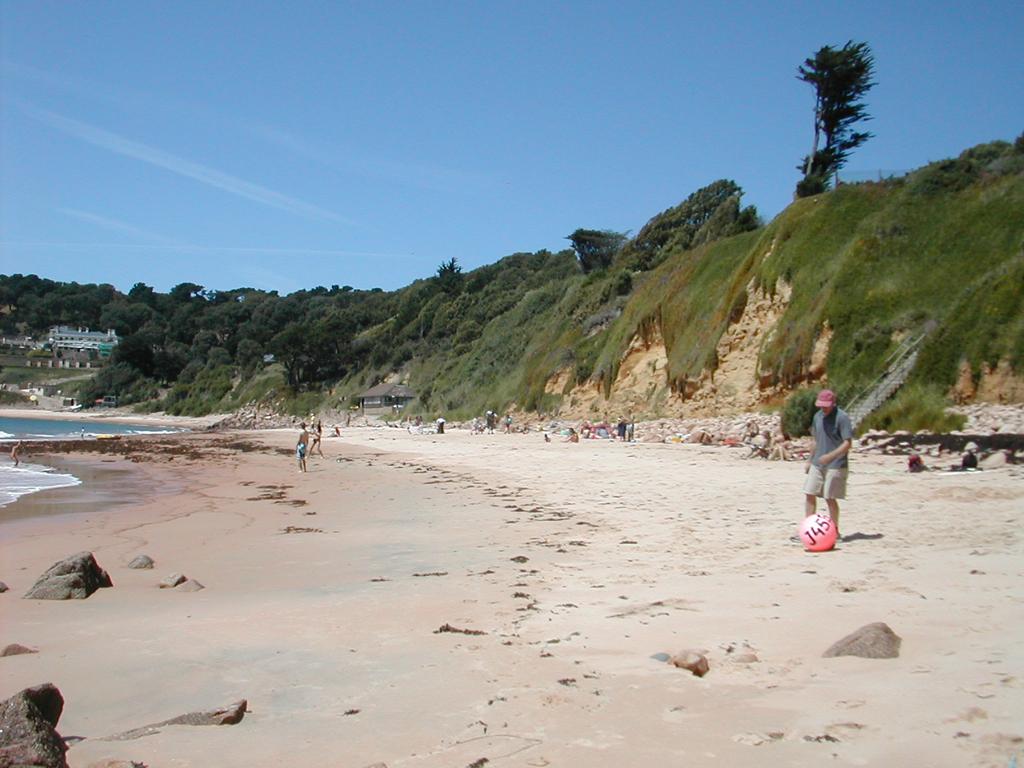 Пляж Бухта Портелет в Великобритании, фото 12