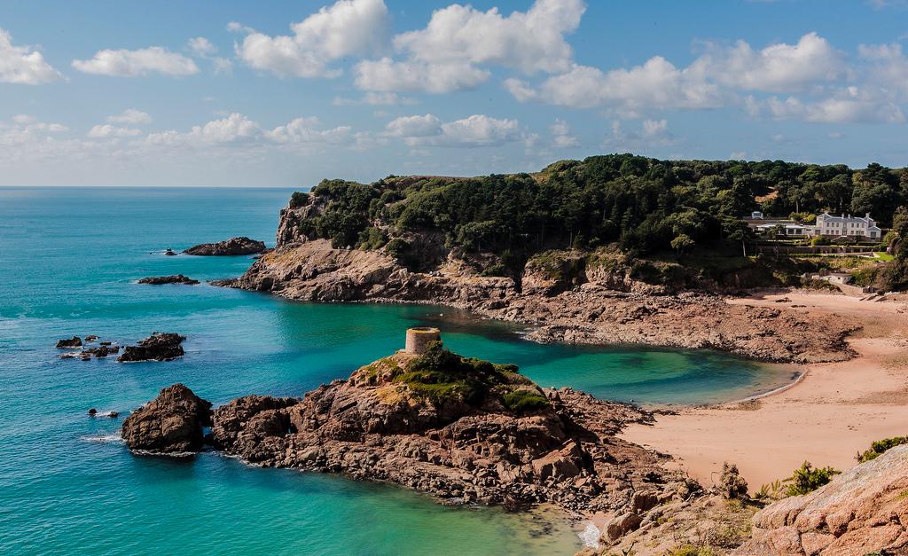 Пляж Бухта Портелет в Великобритании, фото 13