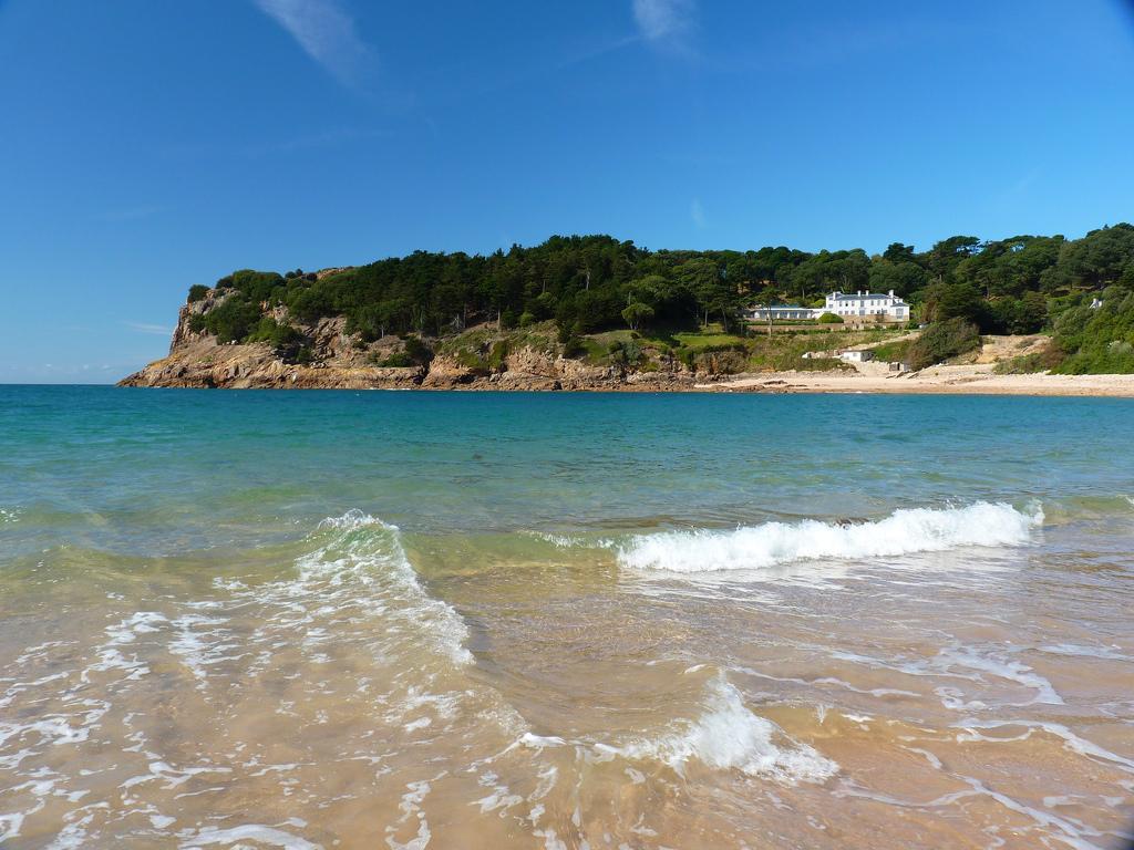 Пляж Бухта Портелет в Великобритании, фото 14