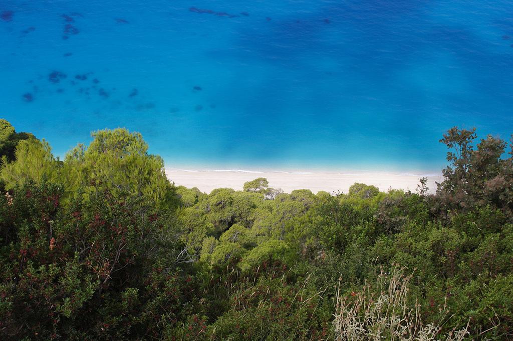 Пляж Эгремни в Греции, фото 5