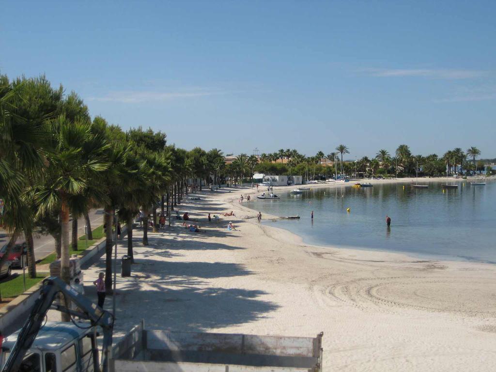 Пляж Пуэрто де Алькудия в Испании, фото 1