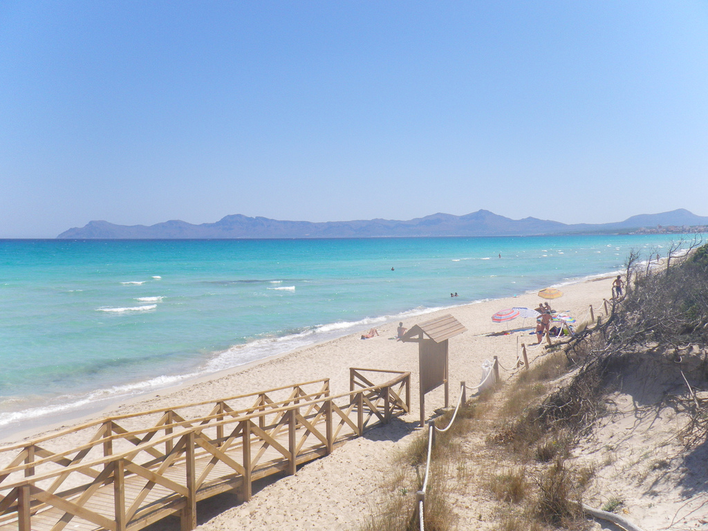 Пляж Пуэрто де Алькудия в Испании, фото 9