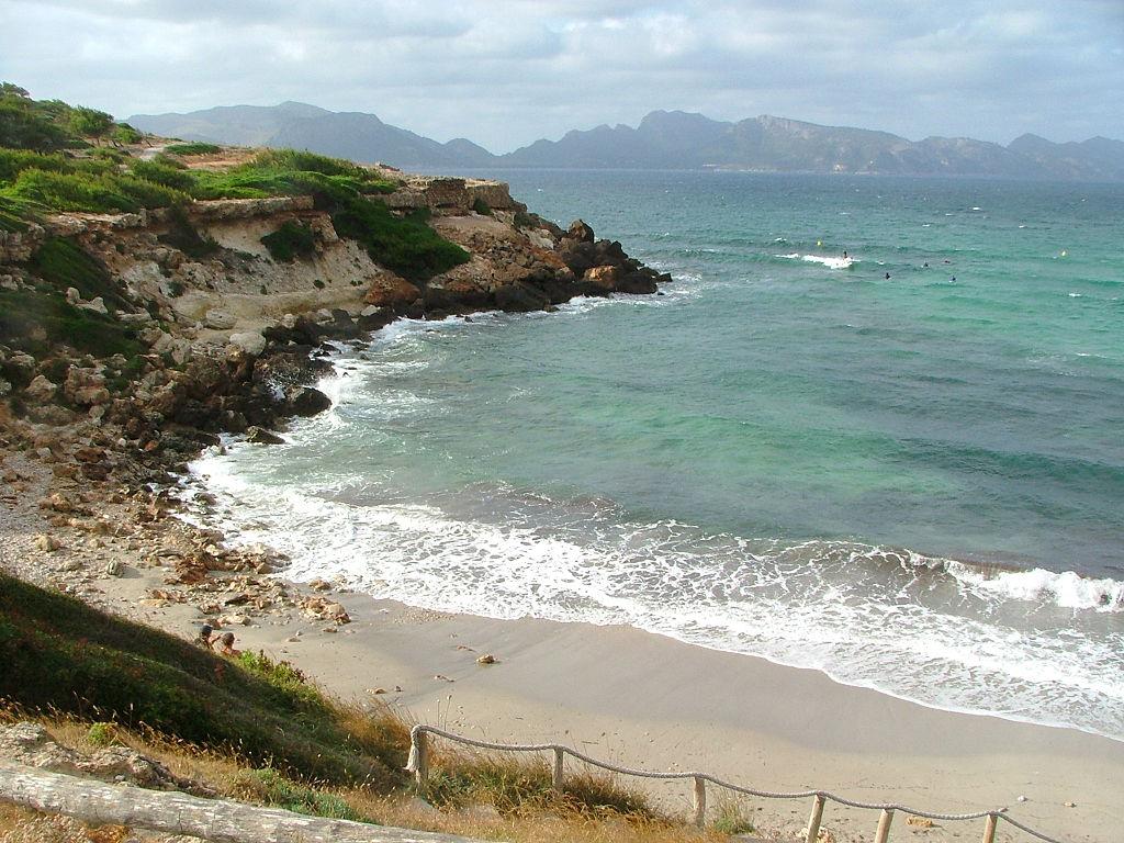 Пляж Пуэрто де Алькудия в Испании, фото 12
