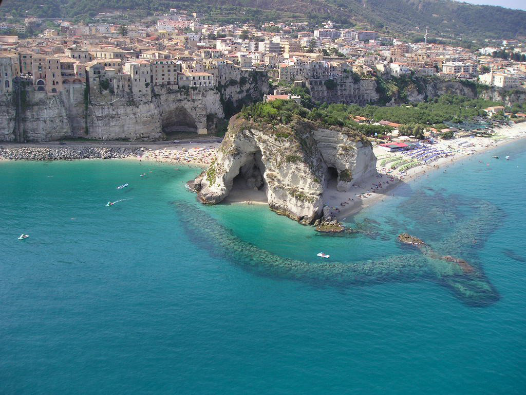 Пляж Тропея в Италии, фото 1