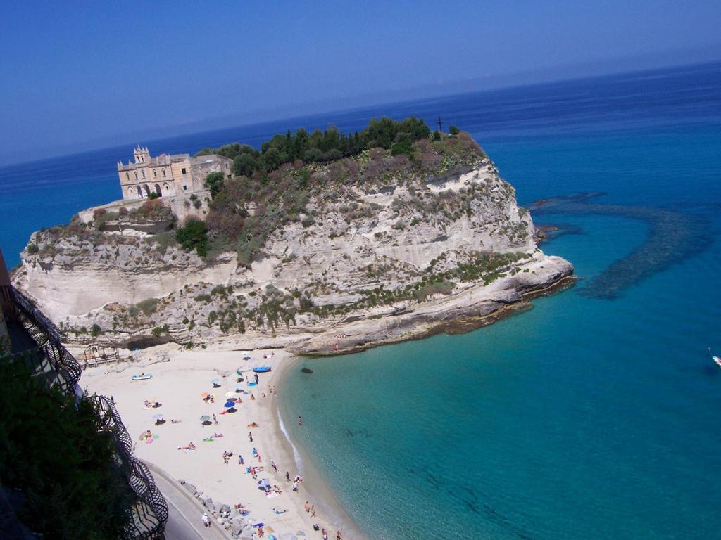Пляж Тропея в Италии, фото 6