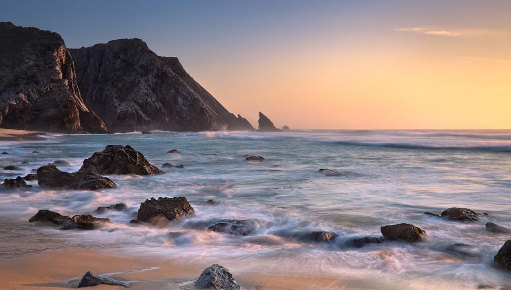 Пляж Адрага в Португалии, фото 1