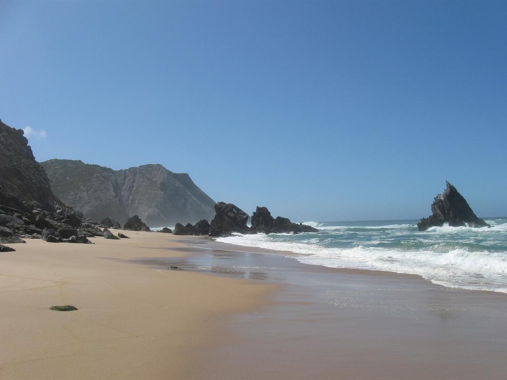 Пляж Адрага в Португалии, фото 2