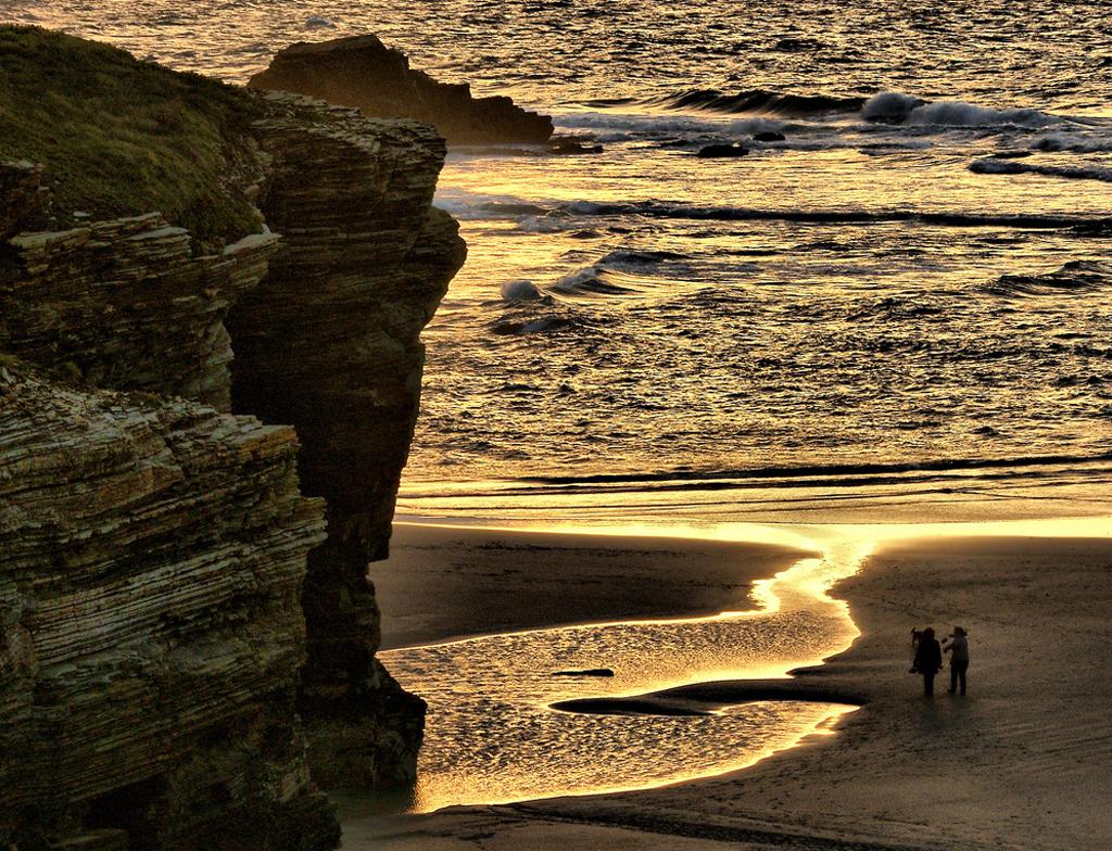 Пляж Агуас Сантас в Испании, фото 3