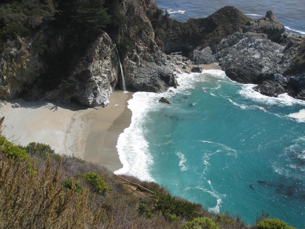 Пляж Джулия Пфайфер в США, фото 8