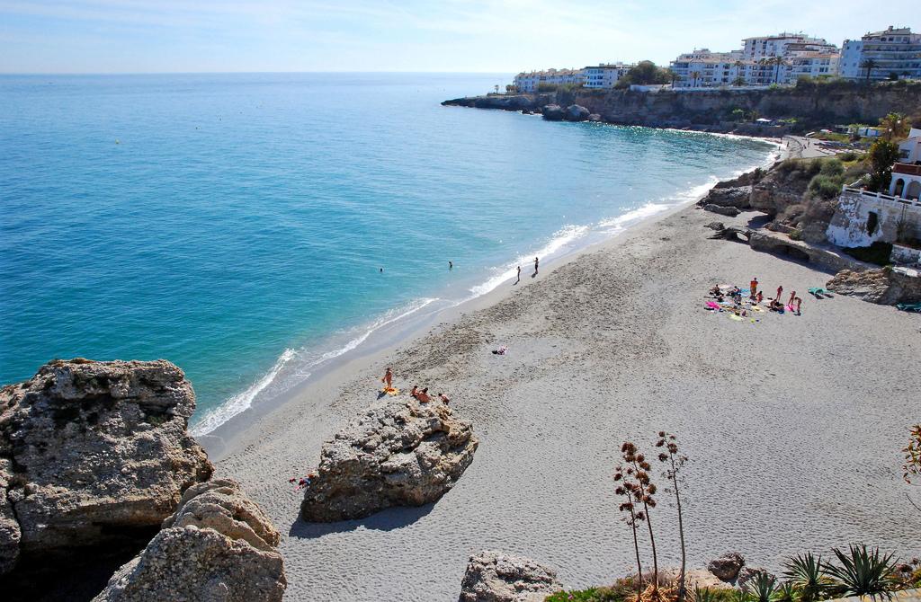 Пляж Нерха в Испании, фото 2
