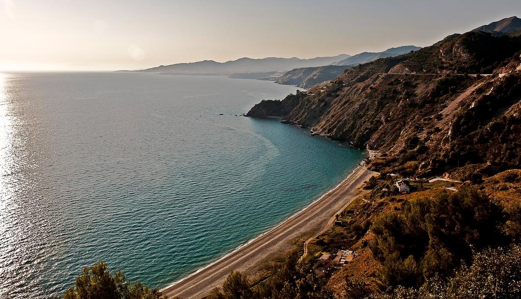 Пляж Нерха в Испании, фото 3